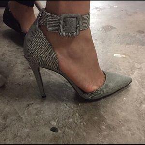 NEW 🎉Jessica Simpson pointy heels